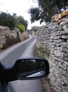 Around Gordes, the narrow roads with high stone walls posed a threat to passenger mirrors.