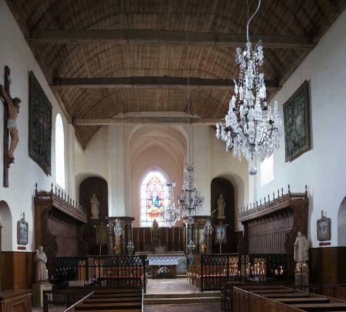 web_gerberoy-church-interior_02635-2